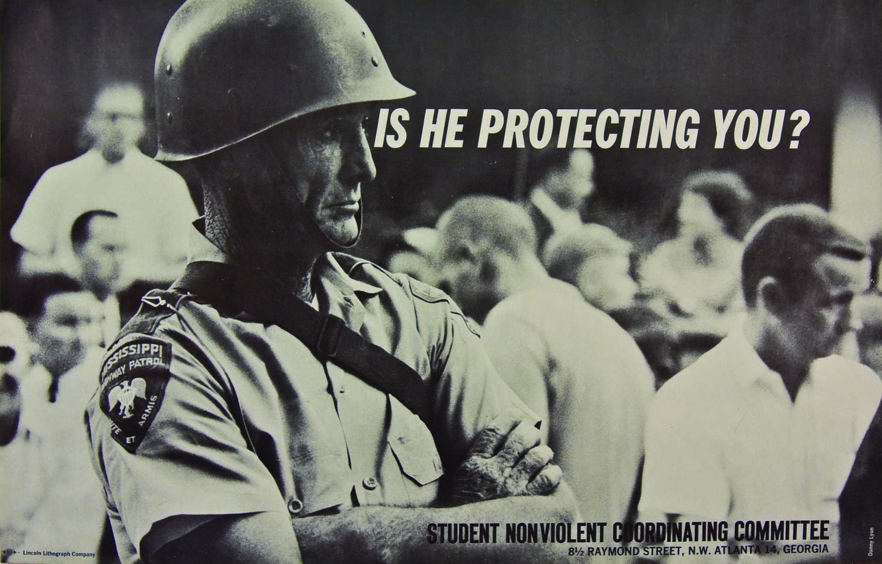 Danny Lyon, Is he protecting you?, 1964 (Courtesy: Interferfence Archive)